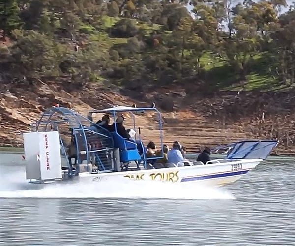 Airboat Elka BMS Tours Lake Eildon